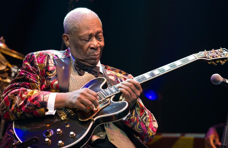B.B. King si-a numit chitara Lucille dupa un incident sora cu moartea