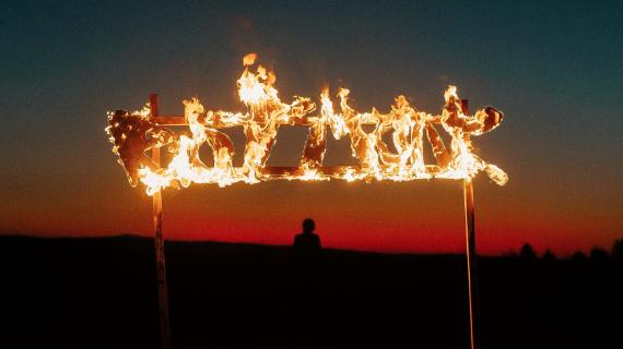 ieții de la RIOT MONK aduc deșertul băimărean mai aproape de noi cu noul single, CONTEAZĂ - Contemporary-Establishment