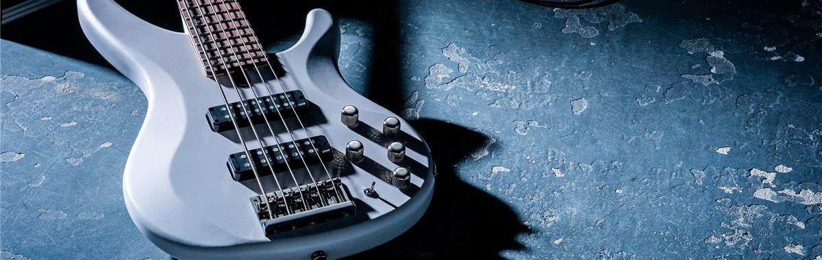 chitara bass Yamaha TRBX 305 BL