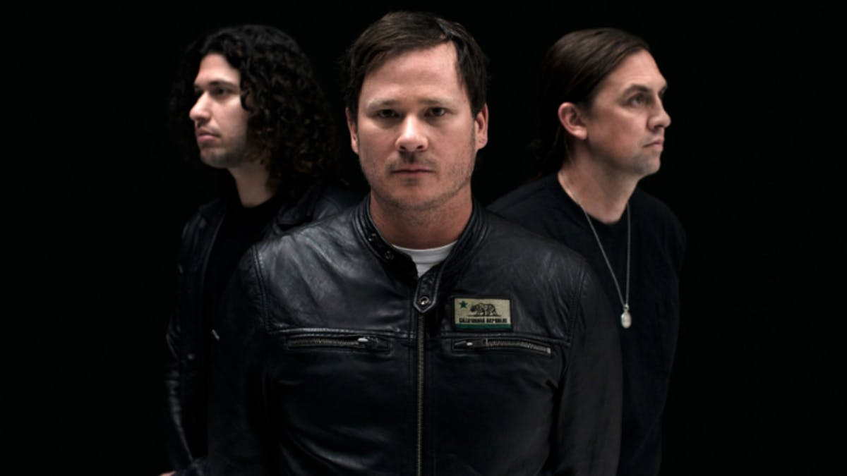 "Trupa lui Tom DeLonge, Angels&Airwaves a lansat un nou single ""All That's Left Is Love"""