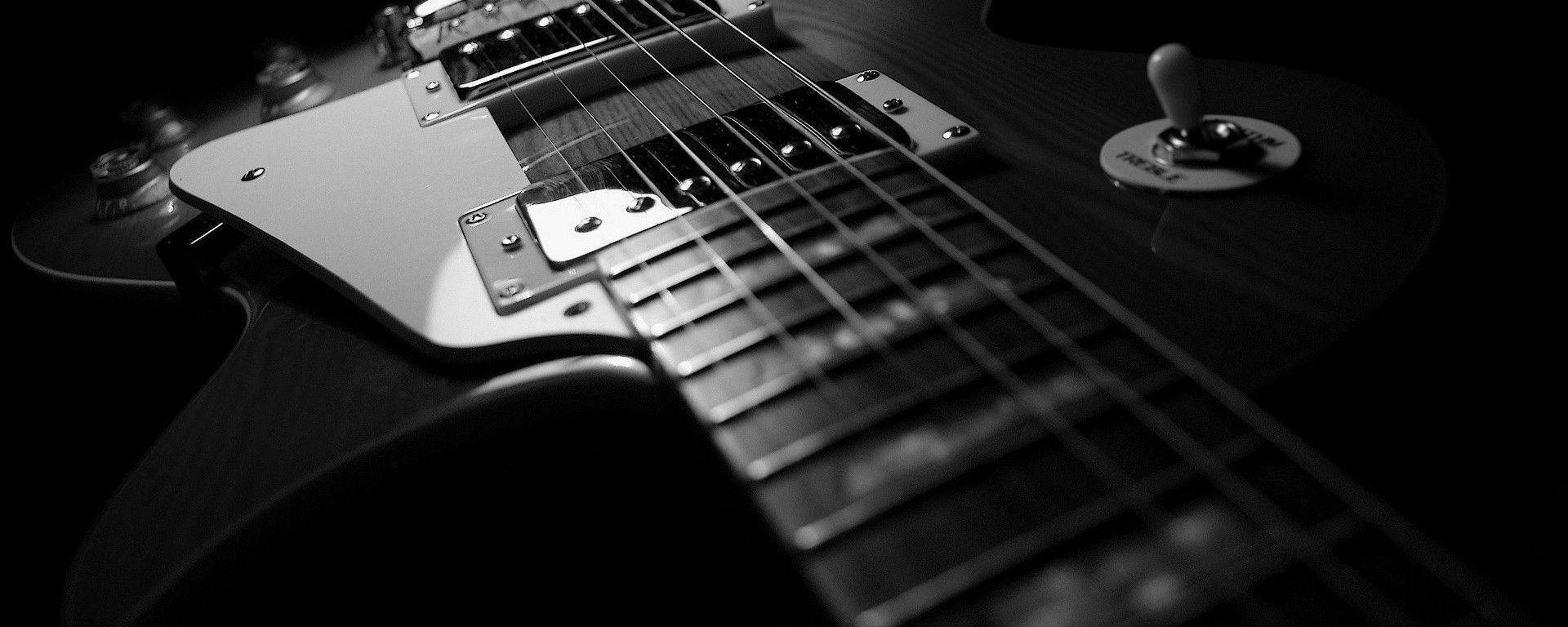 Lucruri fun despre chitara electrică, chitarişti şi ceva trecut glorios