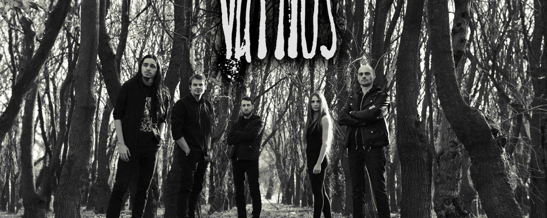 Váthos au lansat albumul de debut, Underwater