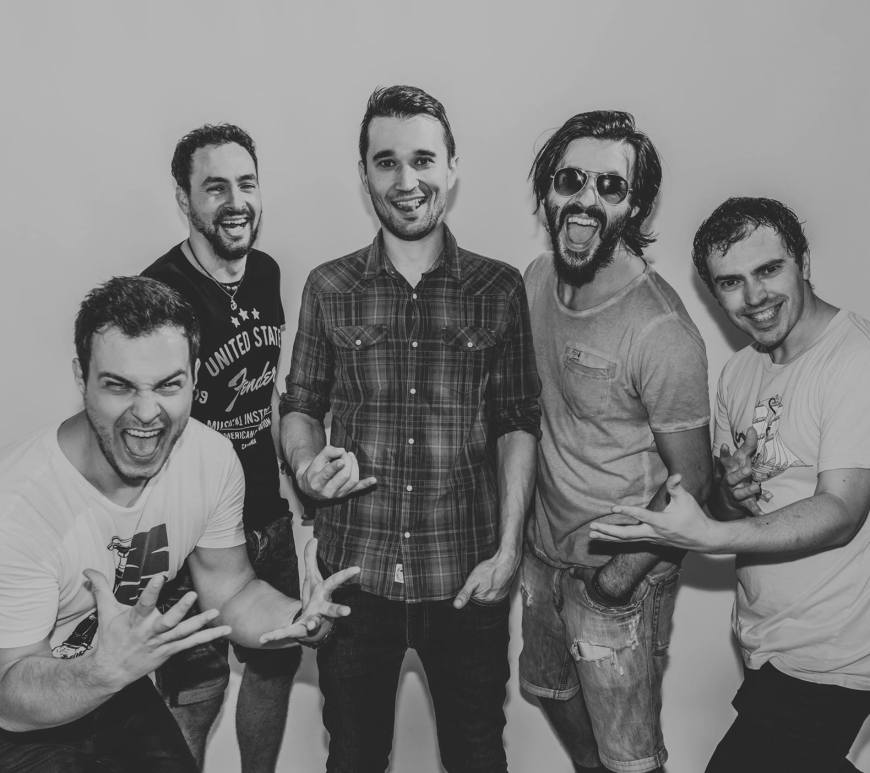 """Alex and The Fat Pinguins a lansat videoclipul pentru piesa """"N-am Comori"""""""