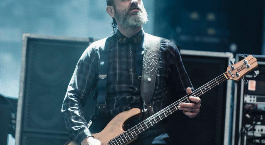 Justin Chancellor compune noi riff-uri pentru piese Tool