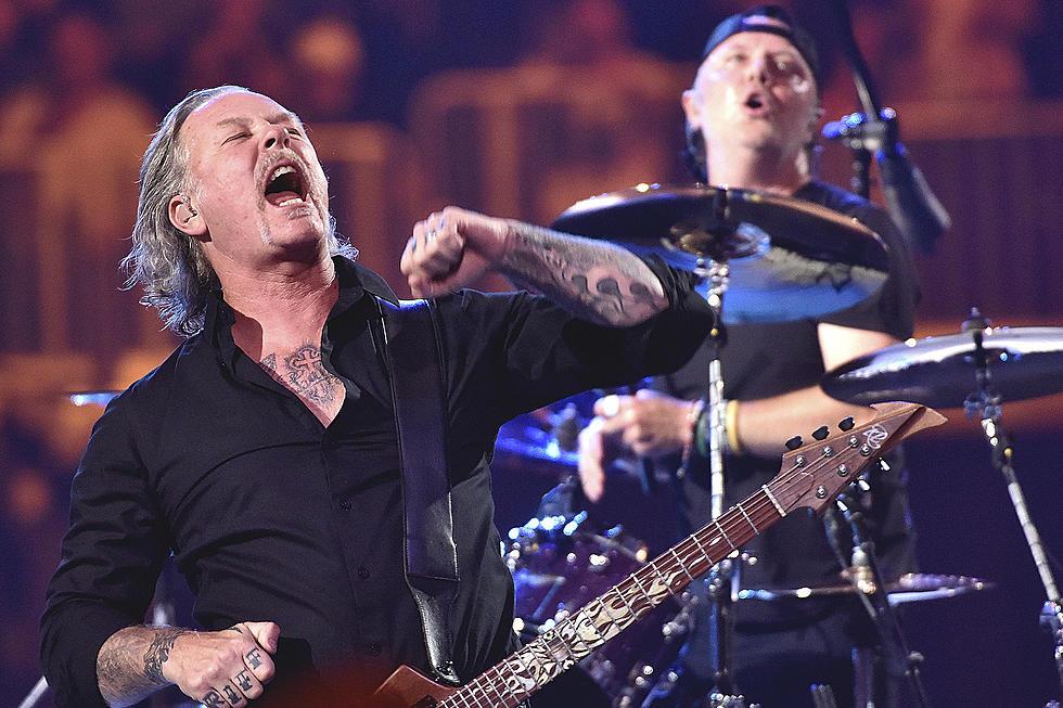 Metallica ne împărtăşeşte două melodii şi anunţă lansarea documentarului şi albumului S&M2 - contemporary-establishment