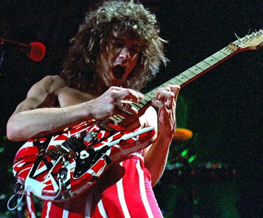 Două vestite chitări ale lui Eddie Van Halen vor fi scoase la licitaţie