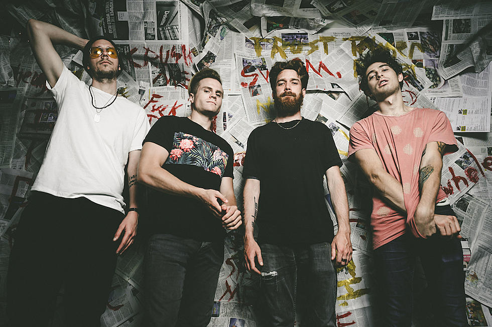 Dead Poets Society lansează un nou clip şi anunţă albumul de debut