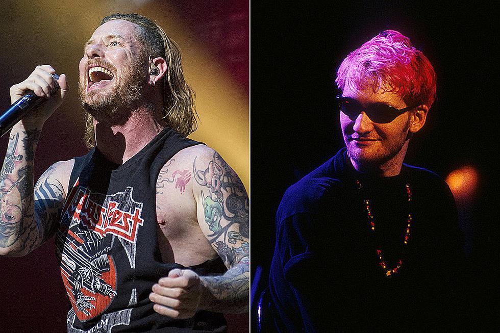 """Corey Taylor şi Dave Navaro interpretează """"Man in the Box"""" de la Alice in Chains"""