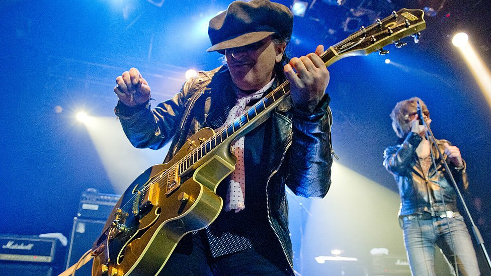 Chitaristul NEW YORK DOLLS, SYLVAIN SYLVAIN a decedat la vârsta de 69 de ani