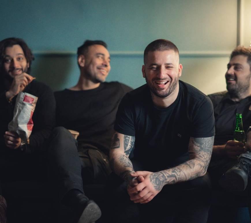 """Trupa Guilty au lansat un nou single cu numele """"Oblivion"""". Piesa beneficiază și de un videoclip realizat de Cătalin """"Skop Real"""" Mălureanu. Trupa a postat clipul pe reţelele de socializare împreună cu urmatorul mesaj:"""