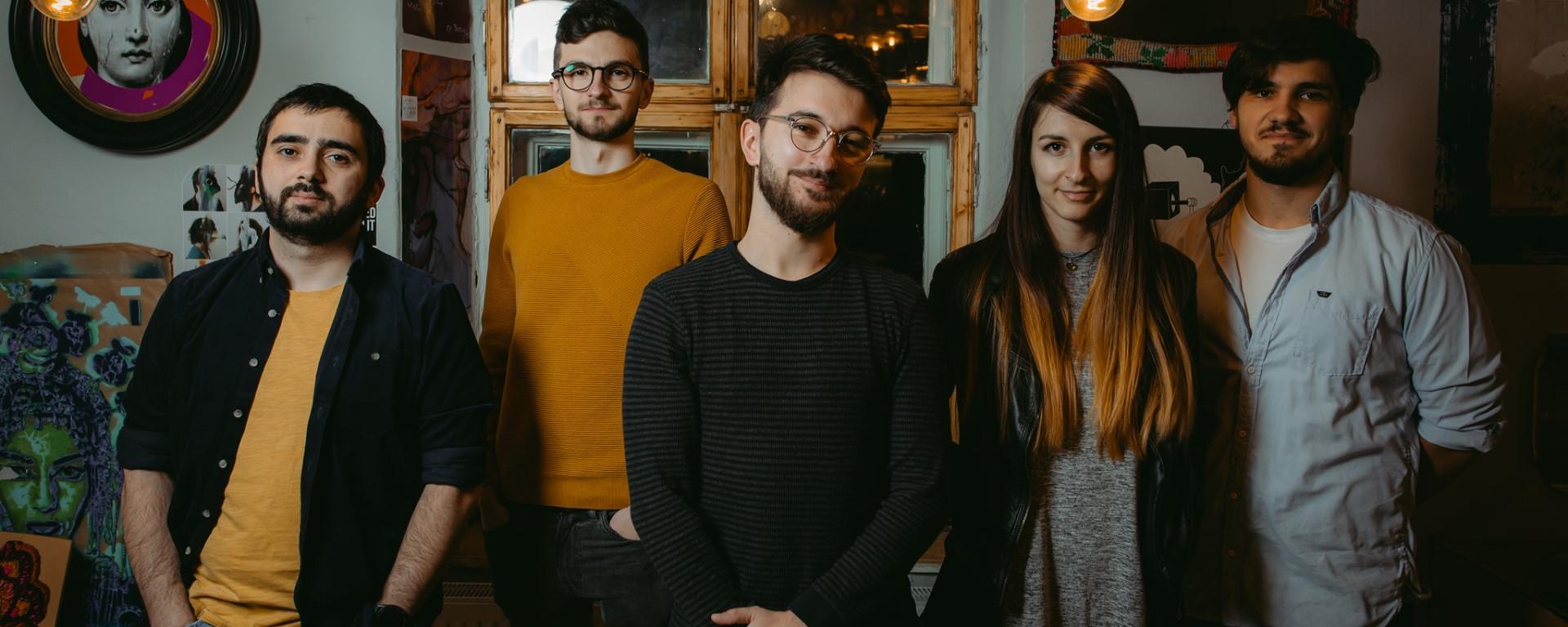 "Alexu and The Voices Inside a lansat clipul live pentru piesa ""Boulevards of Promises"""