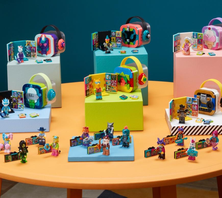GRUPUL LEGO ȘI UNIVERSAL MUSIC GROUP DEZVĂLUIE ÎNTREAGA GAMĂ LEGO® VIDIYO™