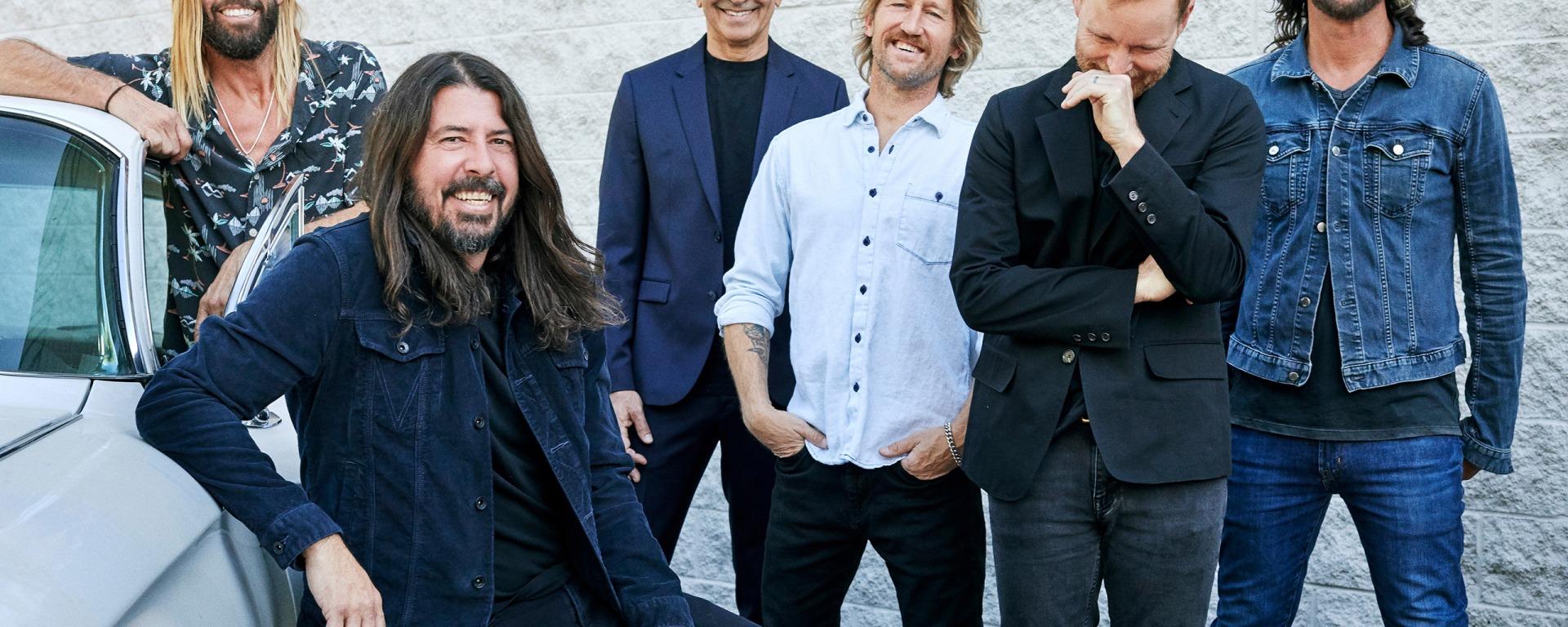 Foo Fighters interpretează noua piesă 'Cloudspotter' la SiriusXM Garage în Los Angeles