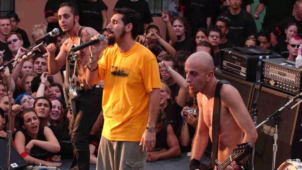 Chop Suey de la System of a Down votata cea mai tare piesă a secolului XXI