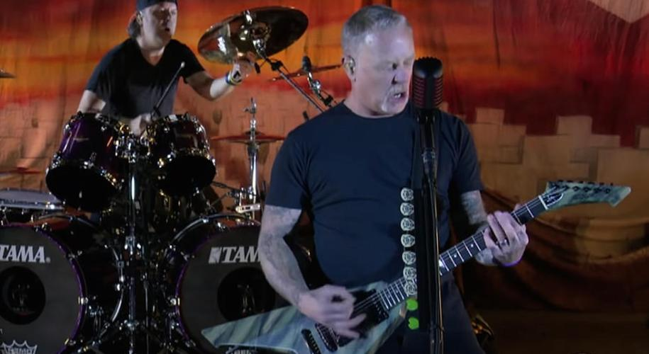 """Video: Metallica rup piesa """"Battery"""" Live la The Late Show With Stephen Colbert"""