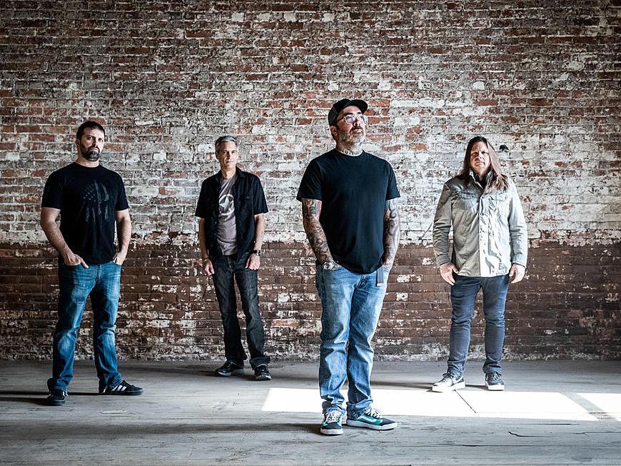 """Trupa Staind relansează piesa """"It's Been Awhile Live"""" ce va apărea pe următorul album live"""