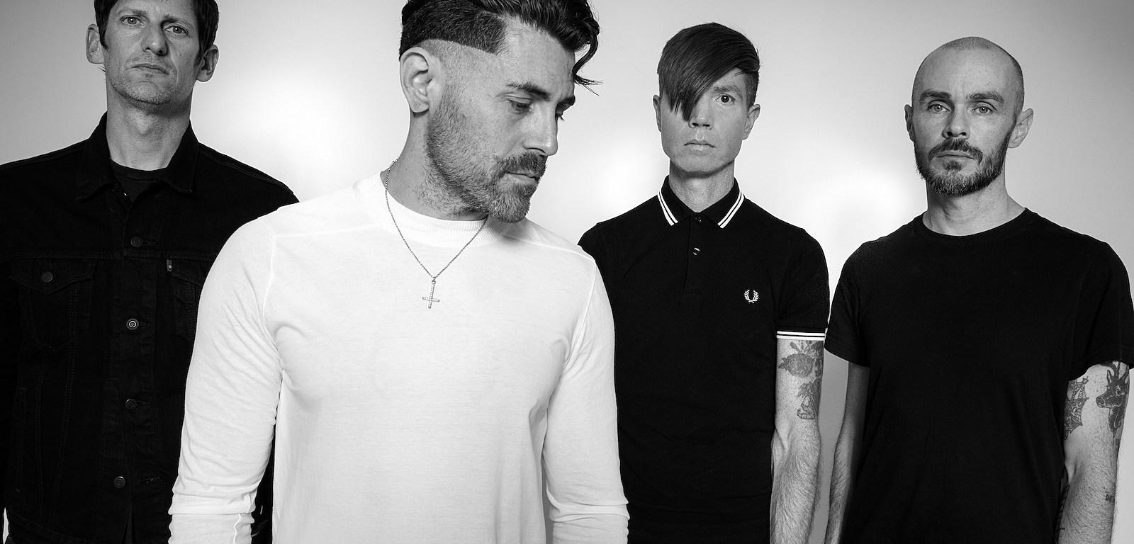 Trupa AFI lansează două noi piese - 'Dulceria' și 'Far Too Near'