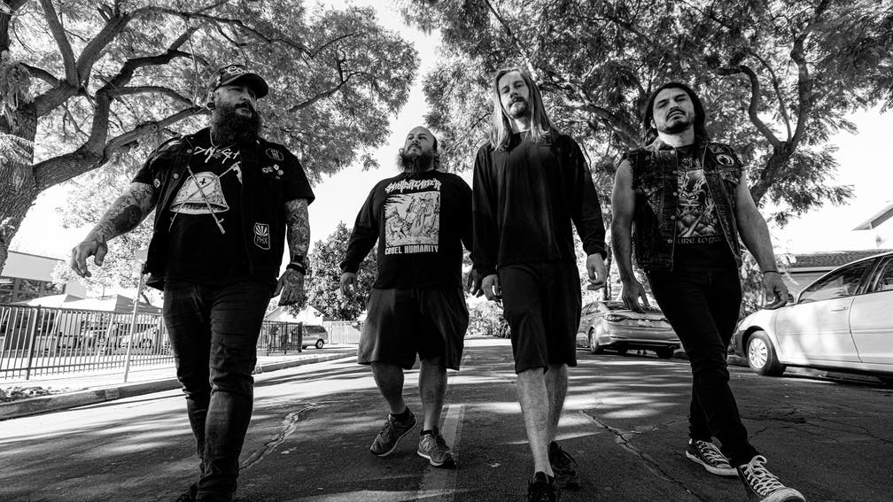 Trupa Incite lansează o nouă piesă absolut zdrobitoare - Deadbeat