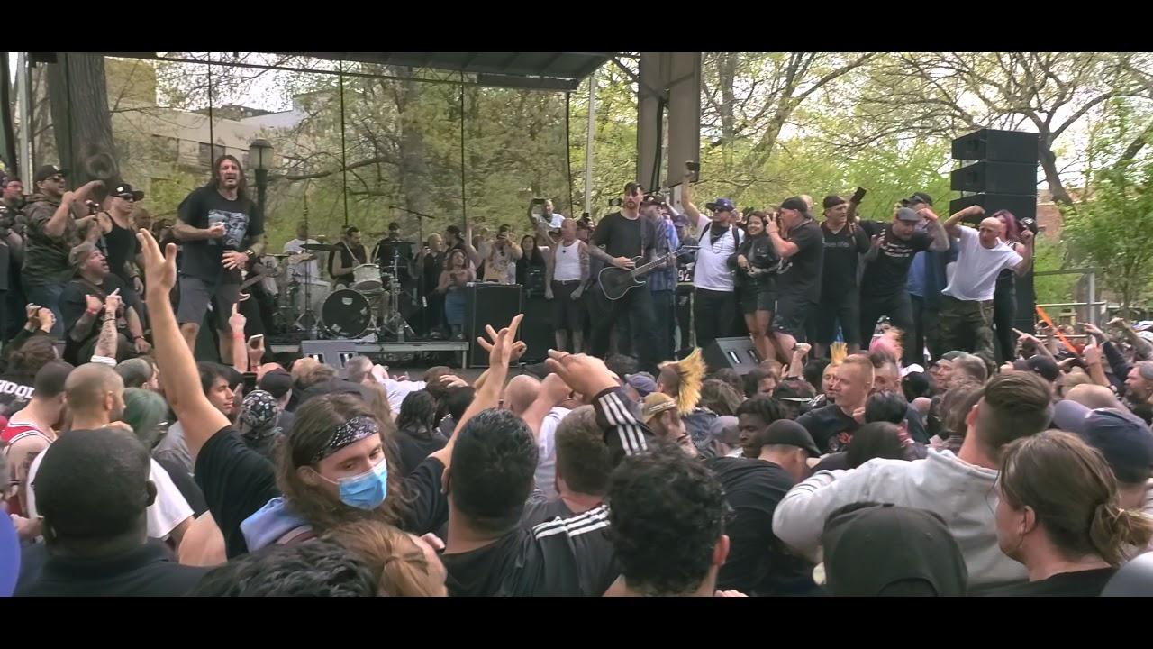 Trupa MEDBALL a fost headliner într-un imens concert în aer liber îin New York