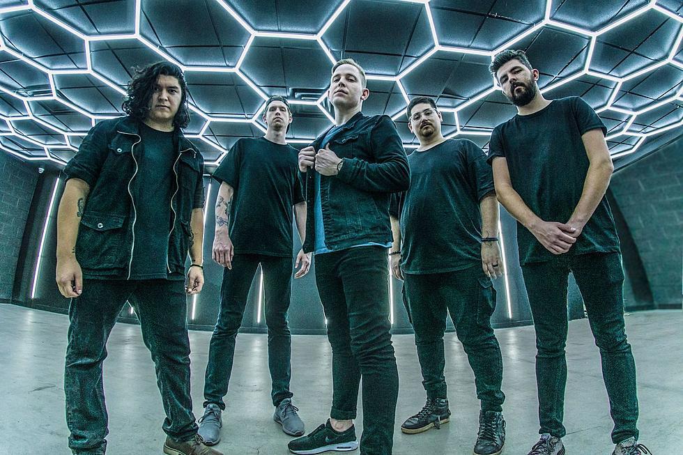 """Rockerii din Phoenix, Archetypes Collide tohmai au lansat un nou videoclip pentru piesa """"Above It All."""""""