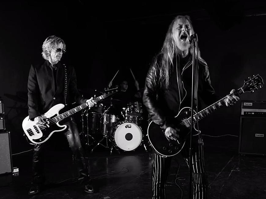 Jerry Cantrell a lansat videoclipul pentru piesa Atone feat. Duff McKagan și Greg Puciato