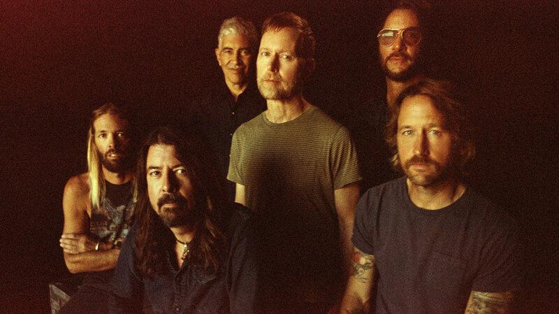 Foo Fighters a lansat videoclipul pentru coverul Bee Gees 'You Should Be Dancing'