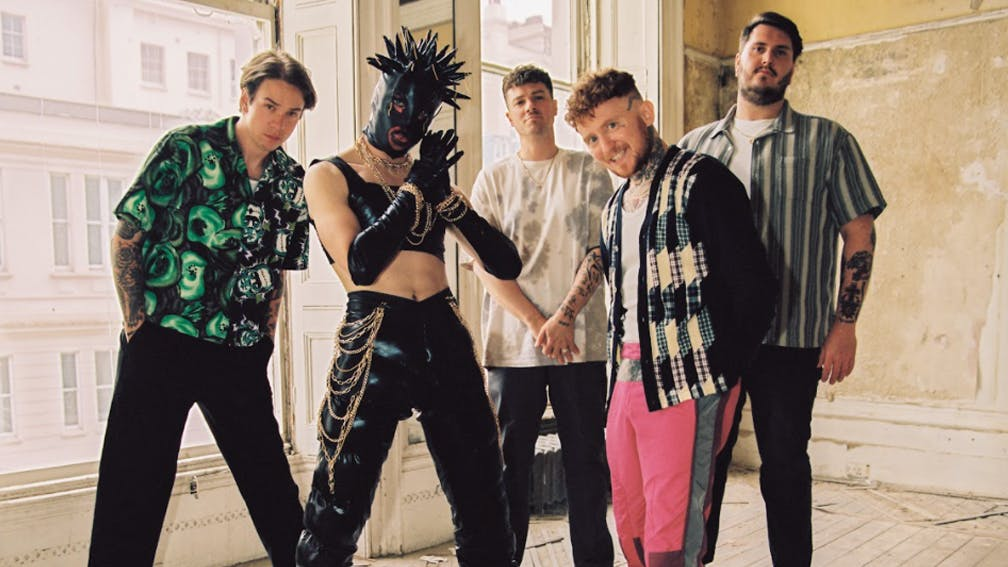 Frank Carter And The Rattlesnakes lansează un nou single Go Get A Tattoo