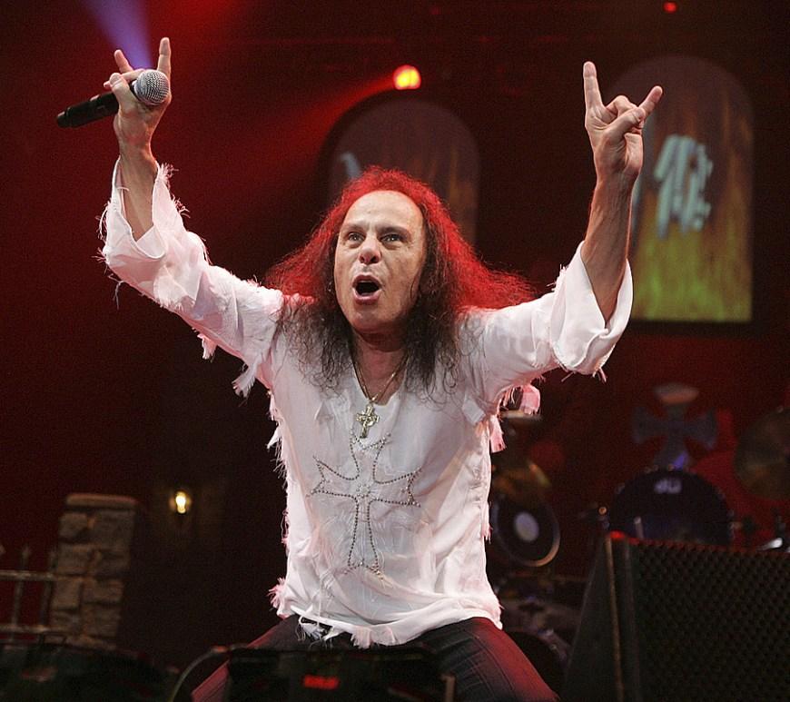 Autobiografia lui Ronnie James Dio va fi în curând disponibilă și publicată într-o varietate de limbi