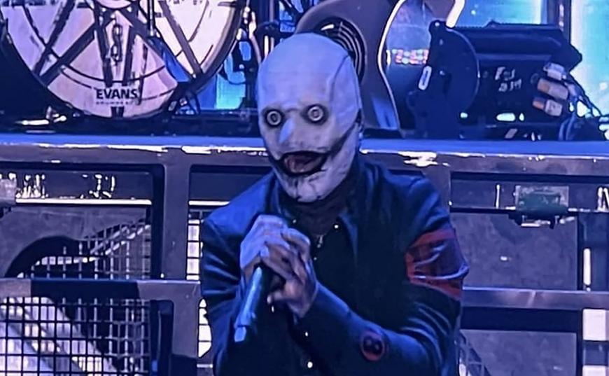 Corey Taylor de la Slipknot dezvăluie o nouă mască la festivalul Rocklahoma 2021