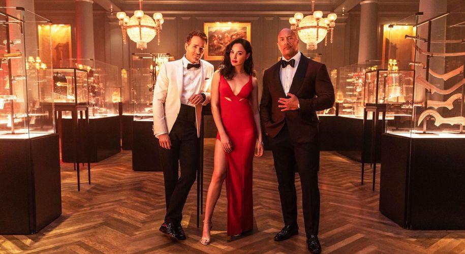 Netflix lansează un nou trailer pentru cel mai nou film cu Ryan Reynolds, Dwayne Johnson & Gal Gadot, Red Notice