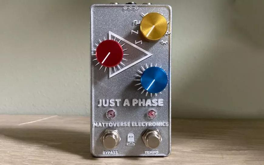 Mattoverse Electronics lansează pedala de chitară Just A Phase, o pedală compactă phaser