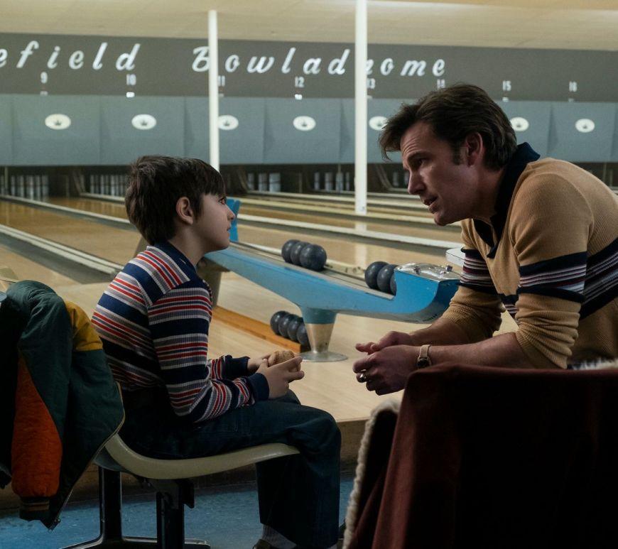 Vezi trailerul filmului The Tender Bar cu Ben Affleck în regia lui George Clooney